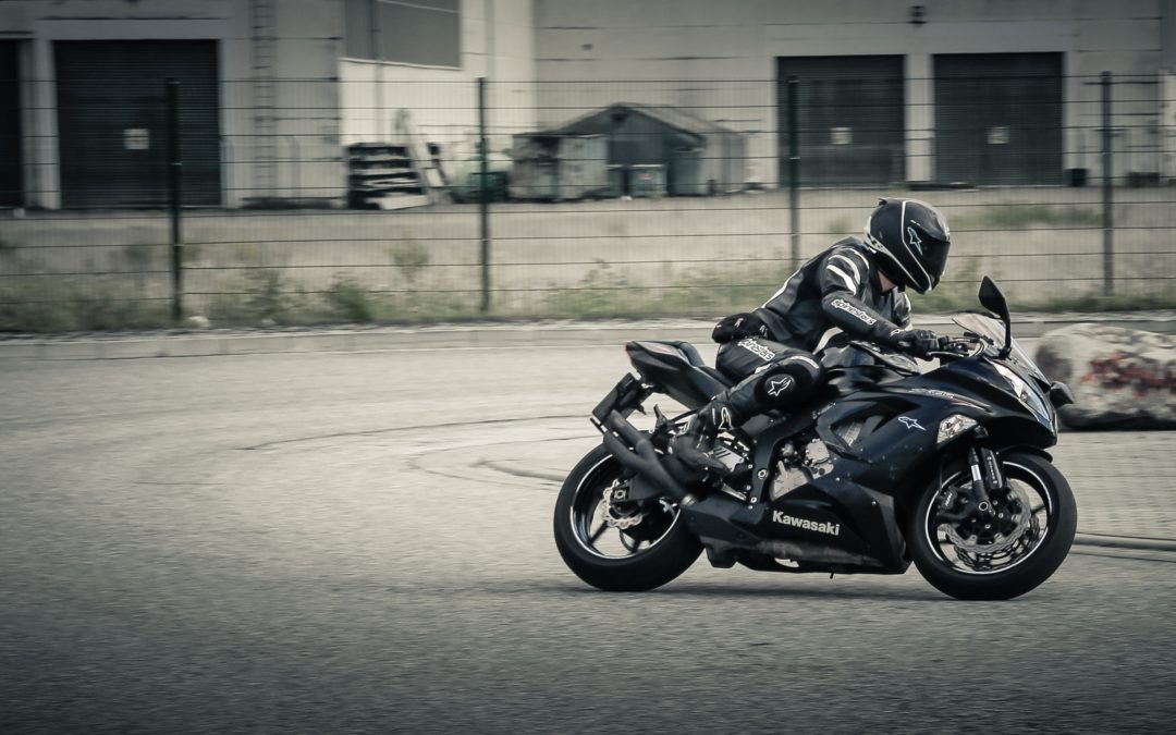 Młoda śmierć na motocyklu – bez kasku, bez prawa jazdy