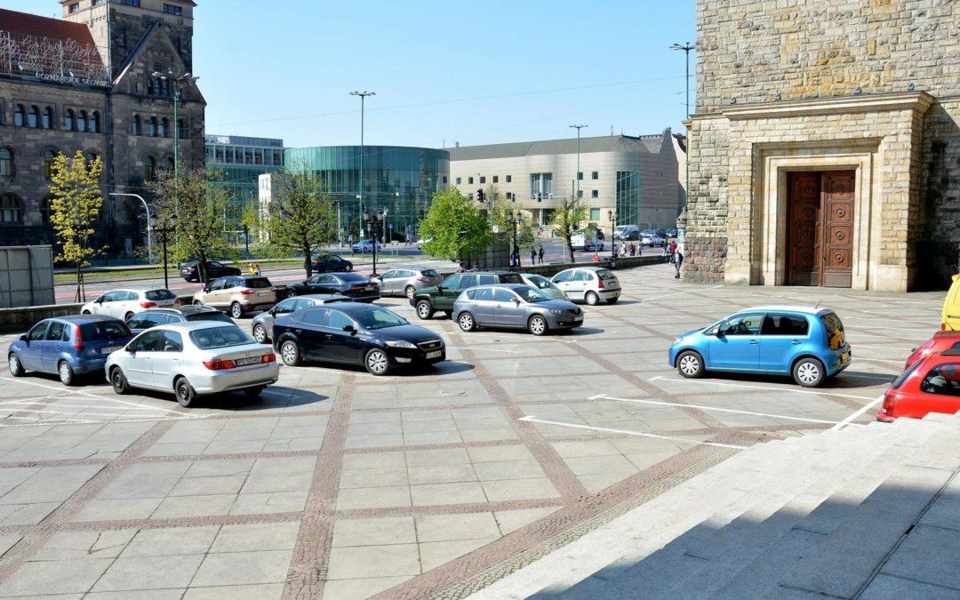 Zniknie parking przed CK Zamek