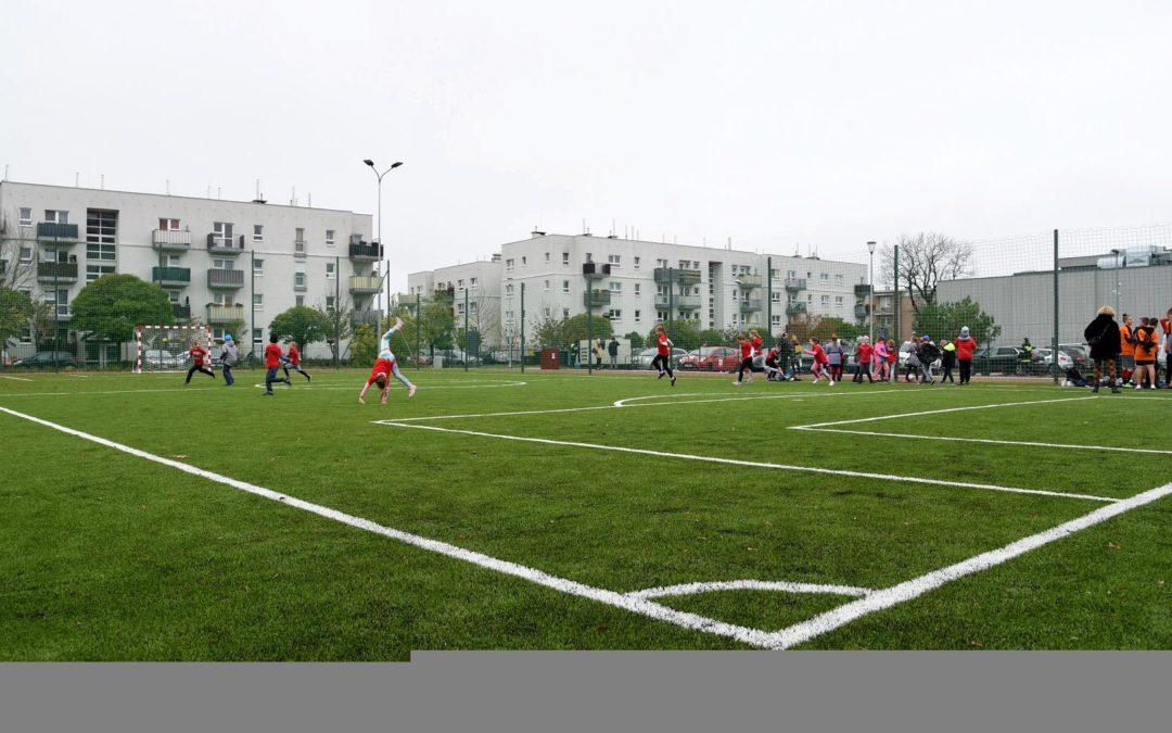 Nowe boisko sportowe na Ratajach