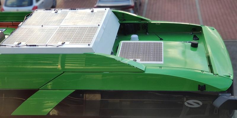 Autobusy z panelami fotowoltaicznymi na dachach w MPK Poznań