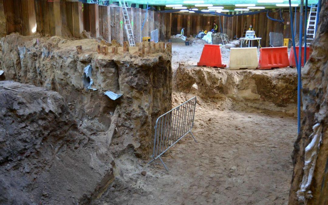 Kolejne odkrycie archeologów na placu Kolegiackim
