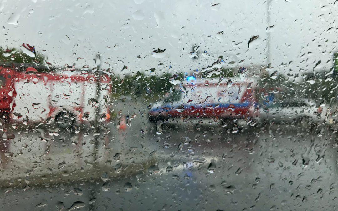Uwaga – burza: wypadki i korki