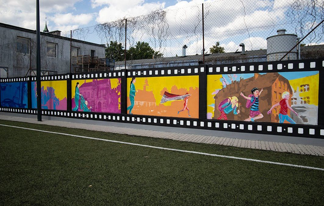 """Dzień w Luboniu"" na muralu"