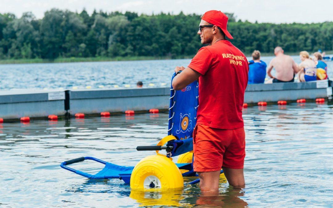 Poznańskie kąpieliska coraz bardziej dostępne dla osób z niepełnosprawnościami